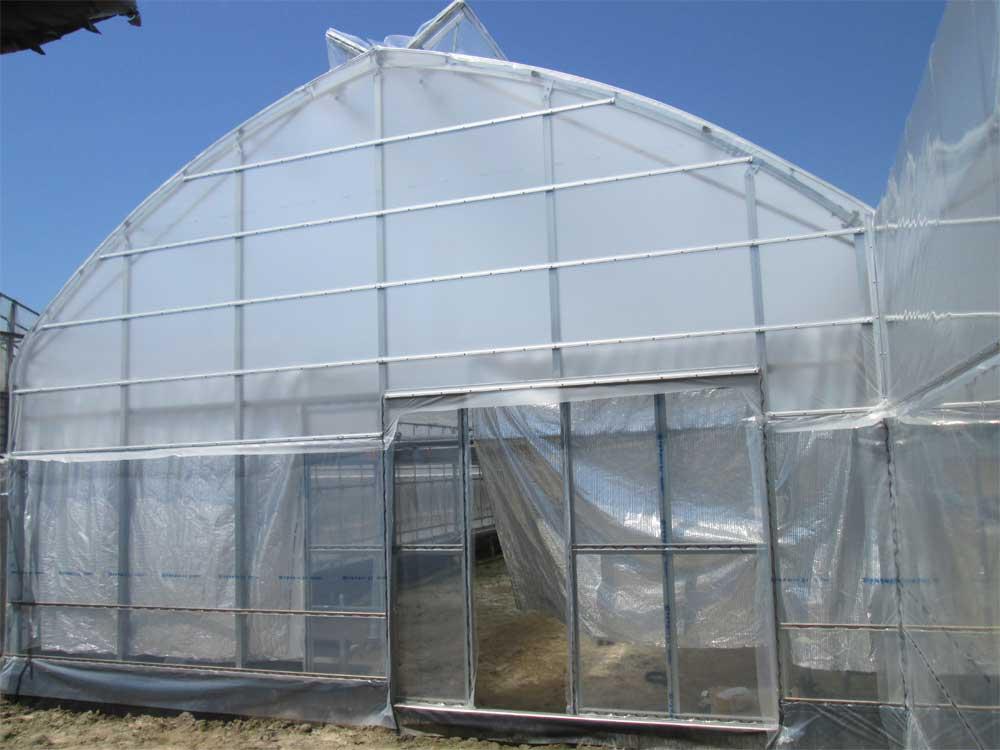 暖房機,温水暖房機,ビニールハウス,エロフィンチューブの昭和産業建てた土佐市の園芸用ハウス写真2